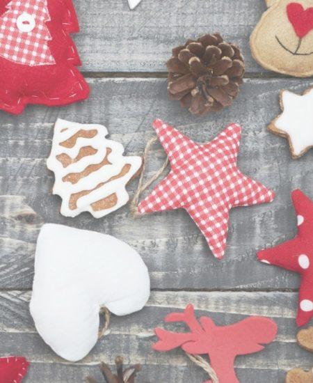 These Cricut ideas are perfect for Christmas and other December holidays. A collection of over 40 projects to get your creativity flowing! #cricut #cricutmade #christmas