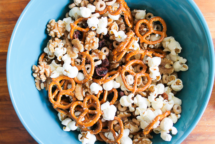snack mix recipe with cereal