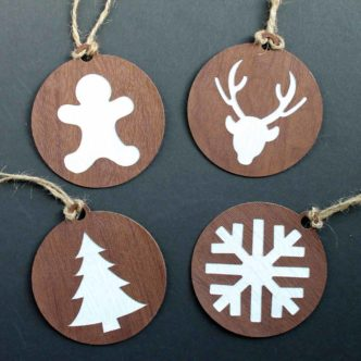 Make these handmade ornaments with your Cricut machine and some faux leather! #cricut #cricutmade