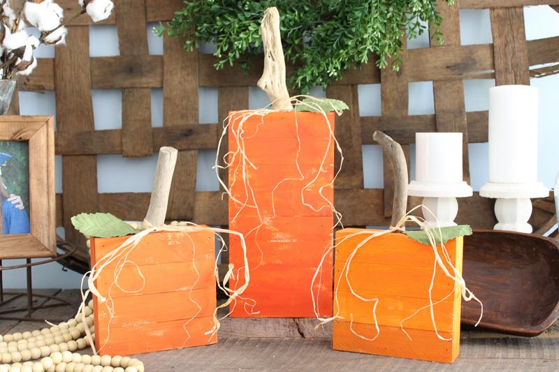 rustic orange pumpkins