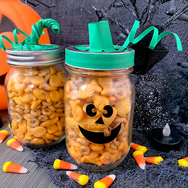 Cute DIY Halloween Snack Jar Craft with your Cricut machine. #cricut