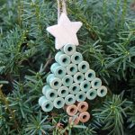 Rustic Christmas Ornaments from Wood Spools