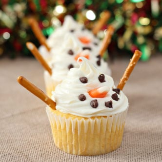 Snowman Cupcakes: The Easiest to Decorate