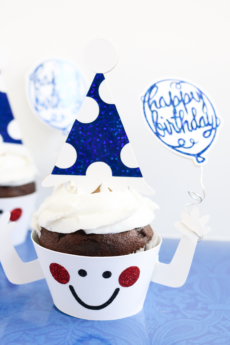 Make these cupcake toppers and wrappers with your Cricut machine! A fun way to celebrate a birthday or any holiday! #cricut #cricutmade