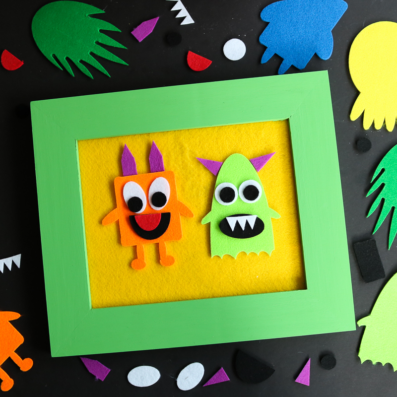 Felt story board DIY project with your Cricut or Silhouette machine. Includes a free monster SVG file so your can cut the pieces with your Cricut or Silhouette machine.