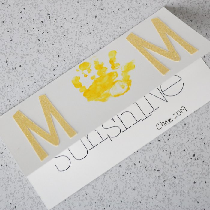 Learn how to make a Mother's Day greeting card.