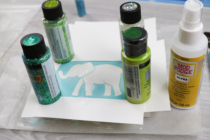 Using the best glue for glitter - Mod Podge Ultra