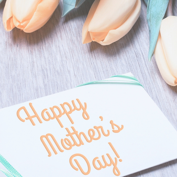 Make these Mother's Day crafts with your Cricut machine! We have 40 easy mother's day ideas you will love! #cricut #cricutmade #mothersday