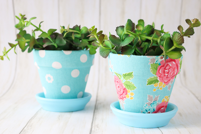 Covering plant pots with fabric for your spring decor.