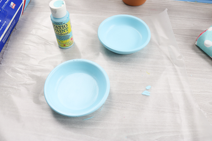 Painting terracotta saucers with outdoor paint