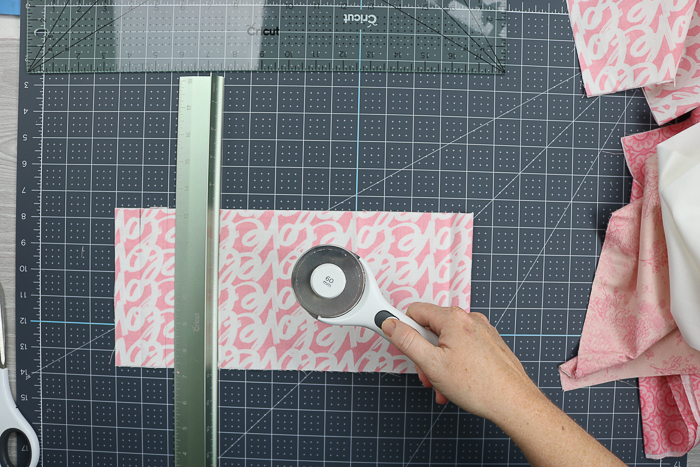 The Cricut rotary blade and cutting ruler