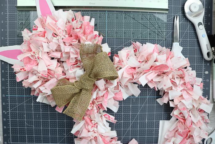 Burlap bow on a rag wreath