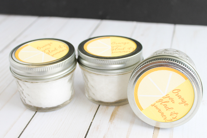 bath salts in a mason jar gift idea