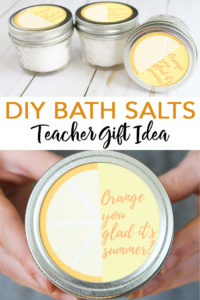 Make this DIY bath salts recipe! A cute gift idea for Teacher Appreciation Week or the end of school! #teachers #gift #teacherapprecation #bathsalts #masonjar