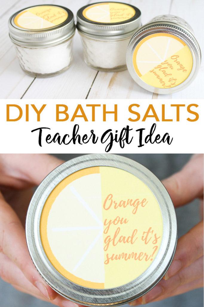 Make this DIY bath salts recipe! A cute gift idea for Teacher Appreciation Week or the end of school! #teachers #gift #teacherapprecation #bathsalts #masonjar