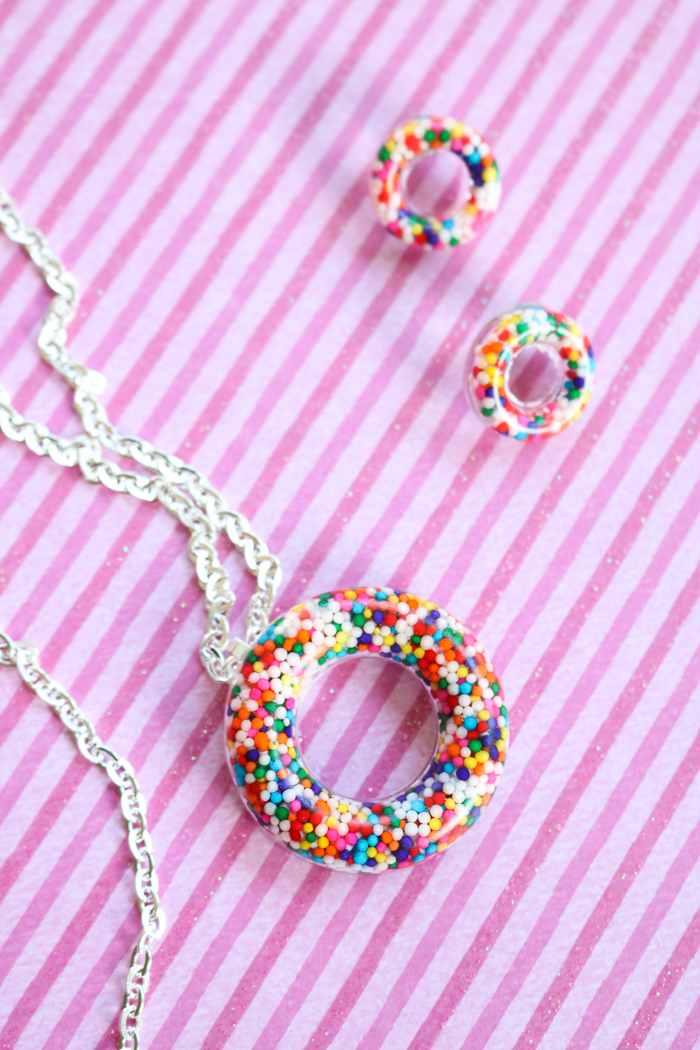 Donut bead necklace ideas for making your own jewelry.