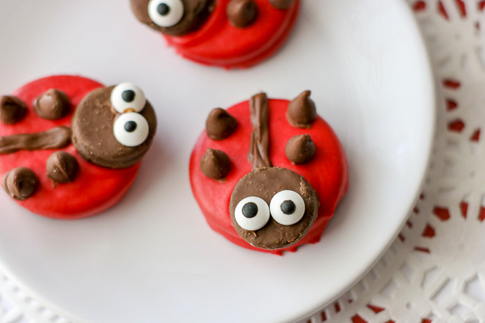 Ladybug cookies that are perfect for spring parties