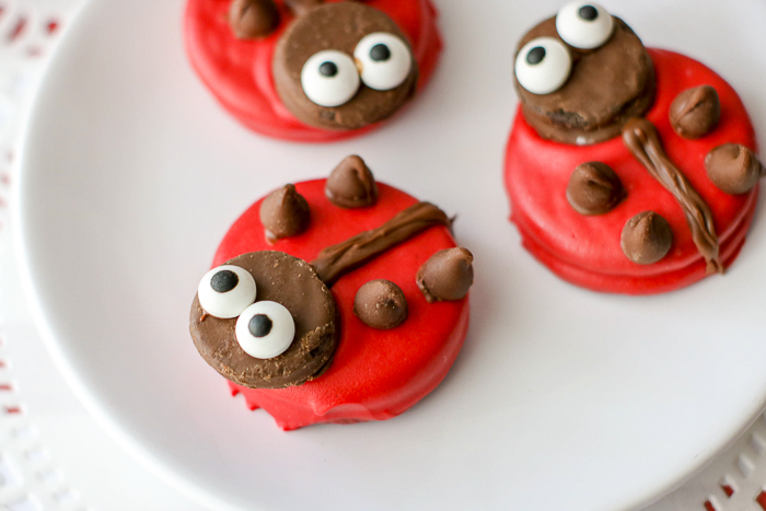 Learn how to make ladybug cookies from Oreos!
