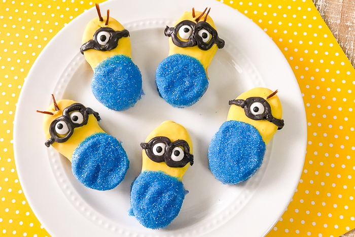 easy minion cookies from nutter butters