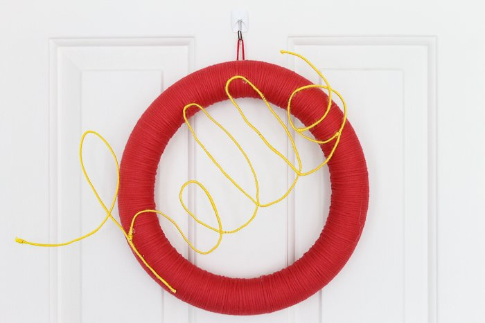 how to make a door wreath that says hello