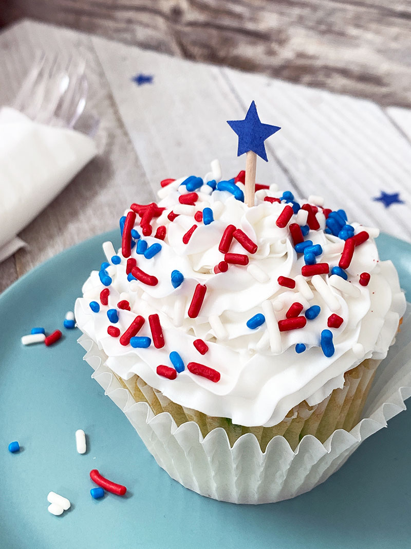 patriotic cupcake with a star cupcake topper