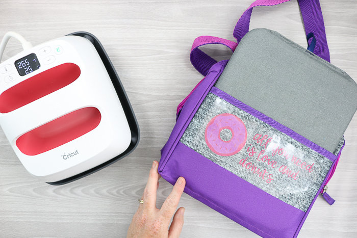 how to make a custom lunch box with a cricut