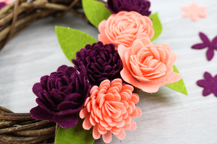 DIY felt flowers with a Cricut