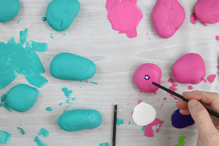 painting rocks with flowers