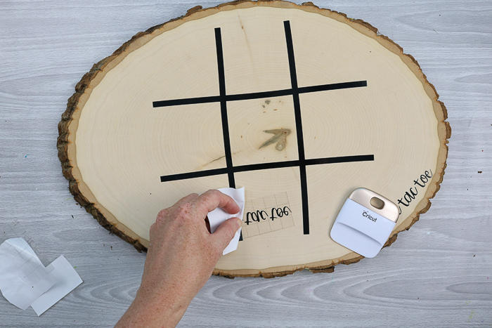 making a wood slice tic tac toe board