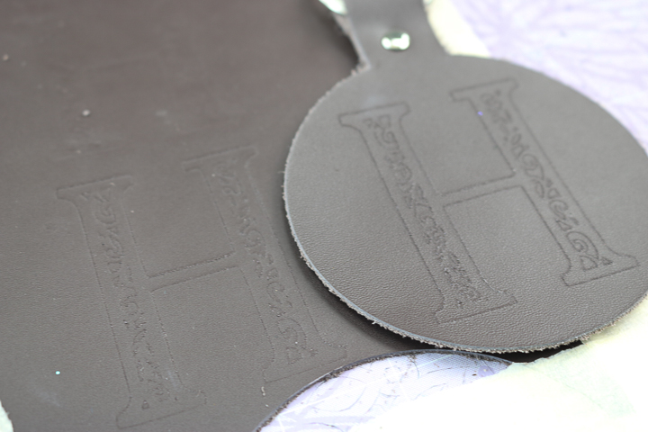 how to engrave leather on cricut maker