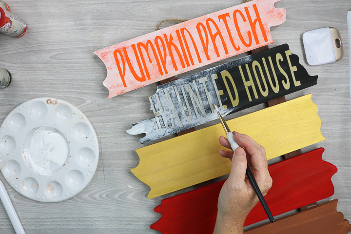 tutorial on how to make a halloween wood sign