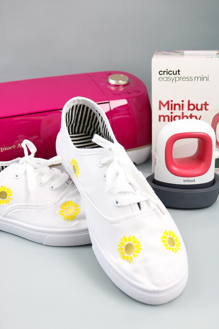 cricut easypress mini on shoes