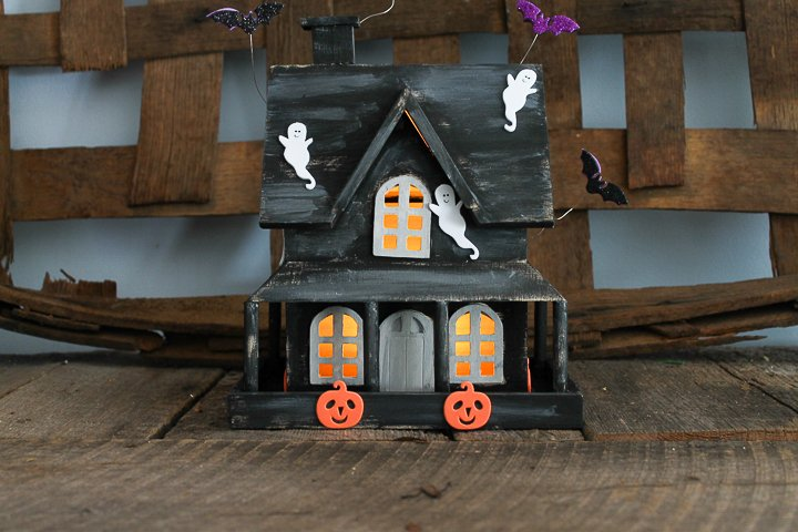making a diy haunted house craft