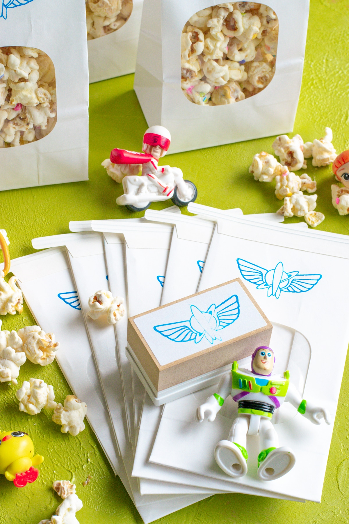 easy party crafts Toy-Story-Party-Favors