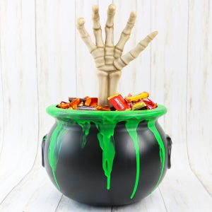 glow in the dark halloween candy bucket