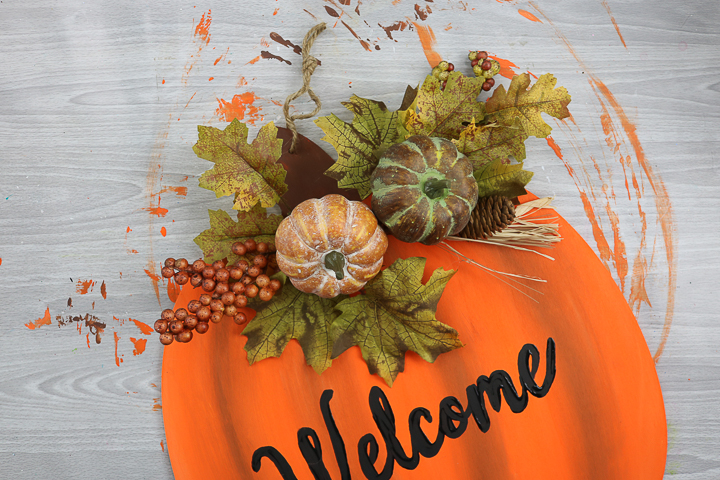 welcome pumpkin with florals