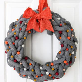 yarn wreath for fall