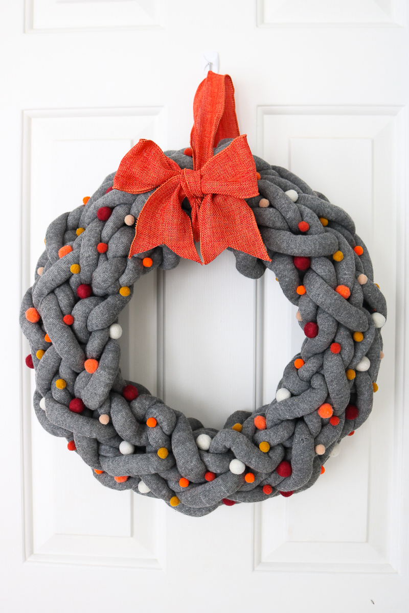 yarn wreath for fall