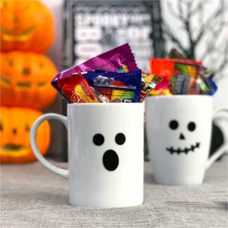 Make Easy Halloween Mugs