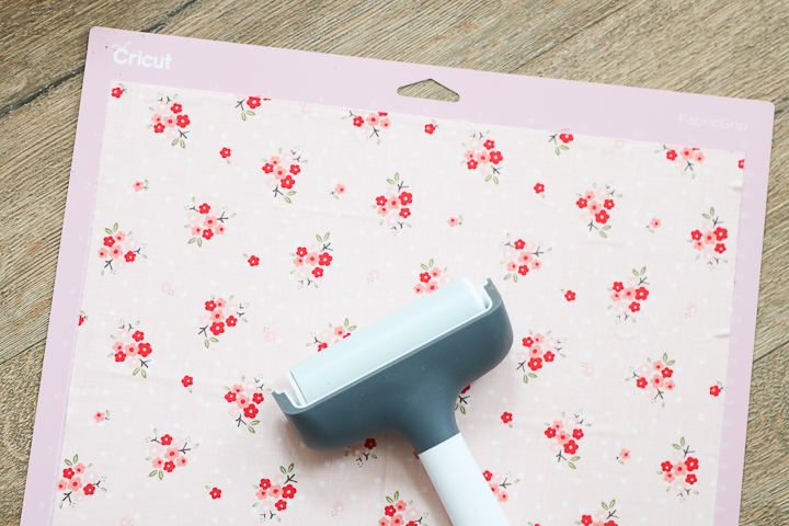 using cricut fabric mat with a brayer