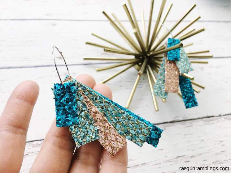 DIY-Glitter-Earrings