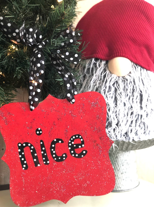 Naughty-or-Nice-Glitter-Holiday-Sign