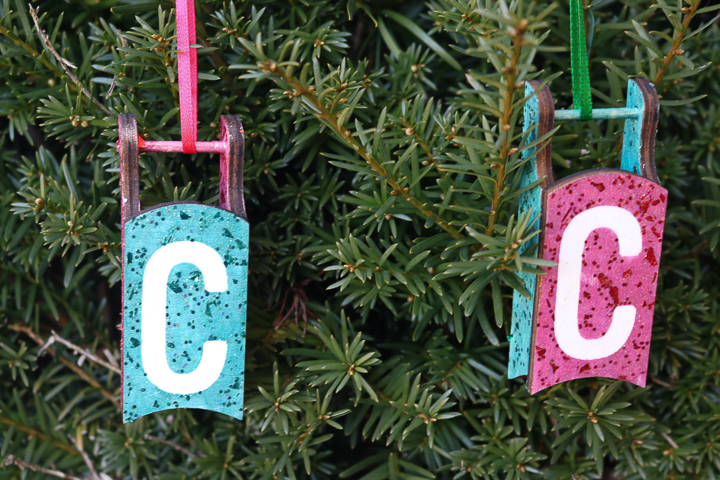 make an initial ornament with glitter paint