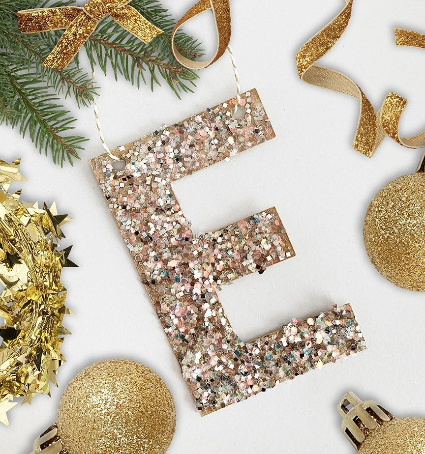 pottery-barn-glitter-christmas-ornament-DIY