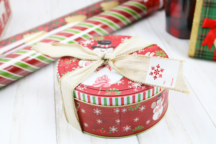 holiday cookie tin gift idea