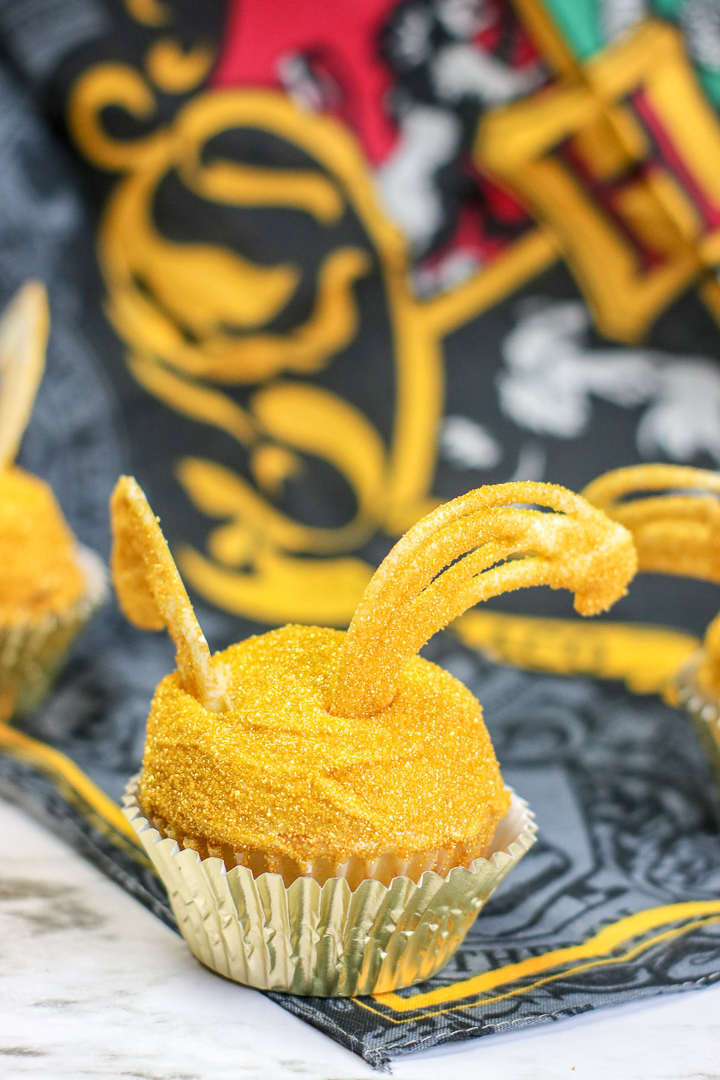snitch cupcakes