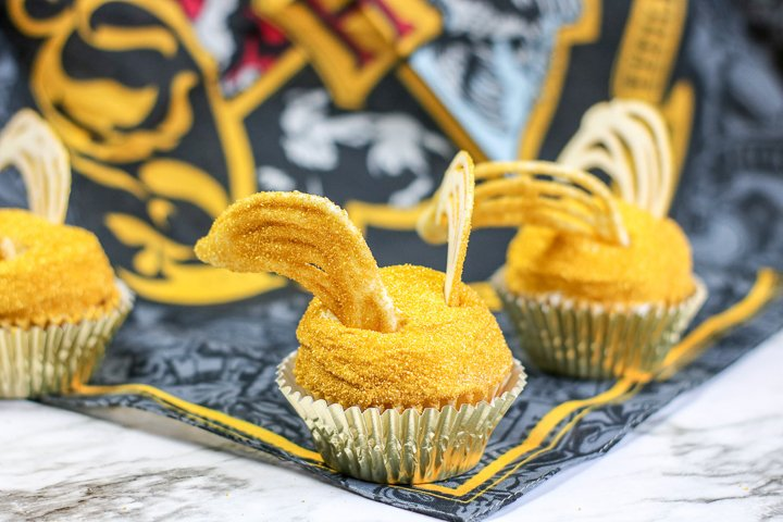 harry potter snitch cupcakes