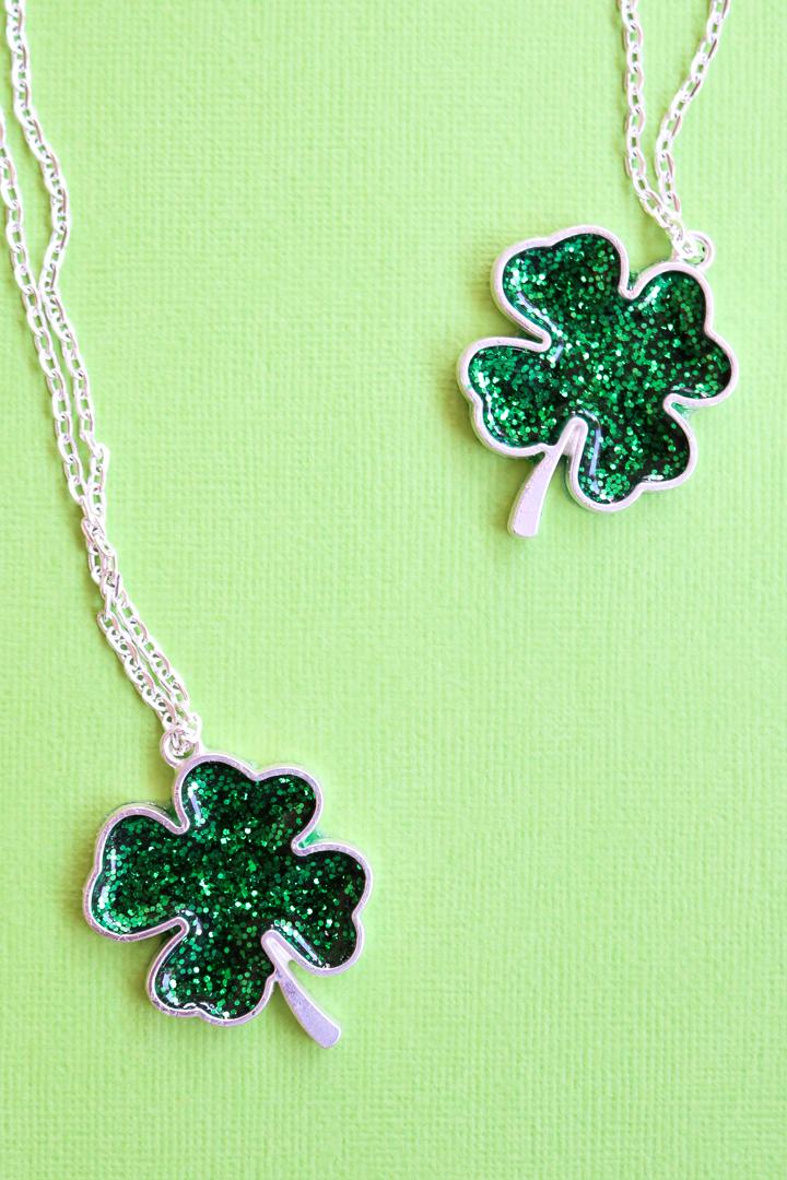diy clover necklace