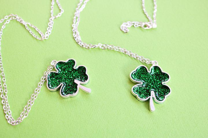 green shamrock glitter necklace