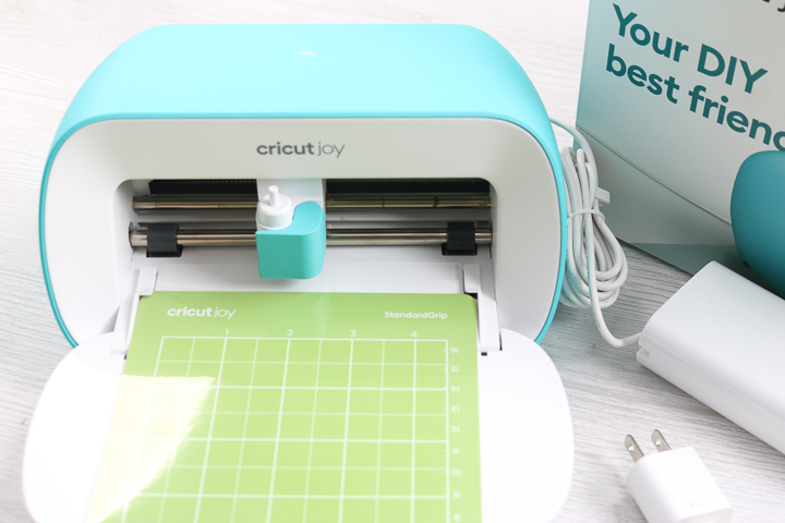 putting mat in cricut joy machine